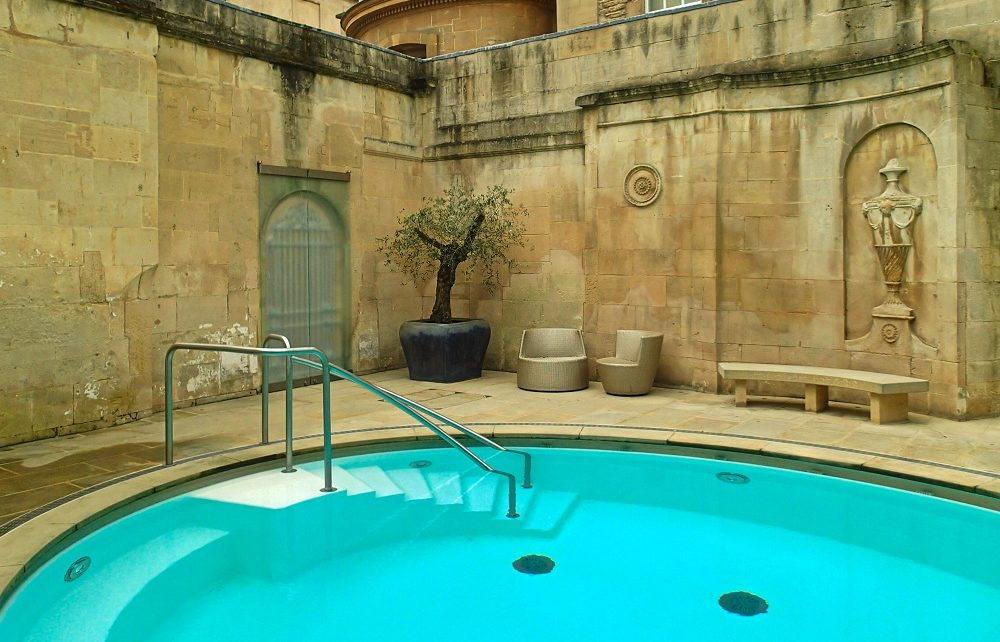 Outdoor hot spring bath in Bath, England