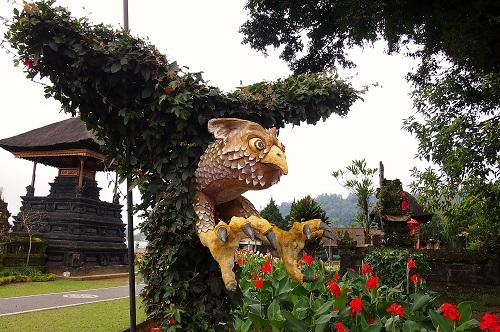 Vine owl sculpture at Ulun Danu Bratan temple in Bali, Indonesia